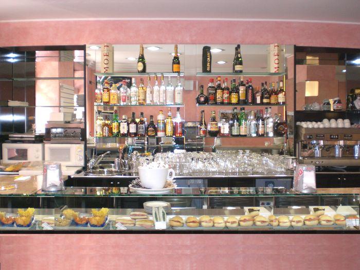 Arredamenti bar torino arredamento per bar with for Arredamenti bar torino