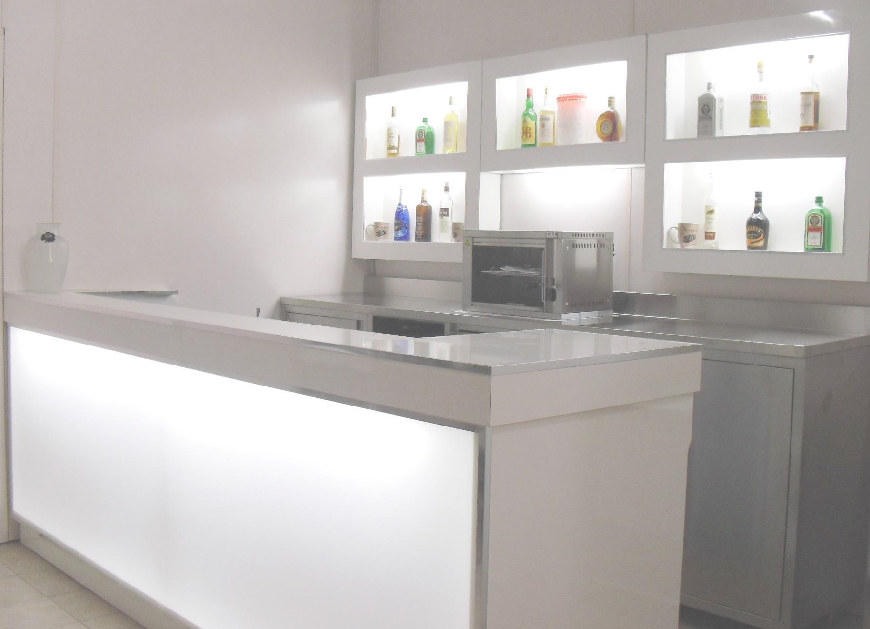 Banchi bar compra in fabbrica banconi bar banconi frigo for Arredamenti bar prezzi